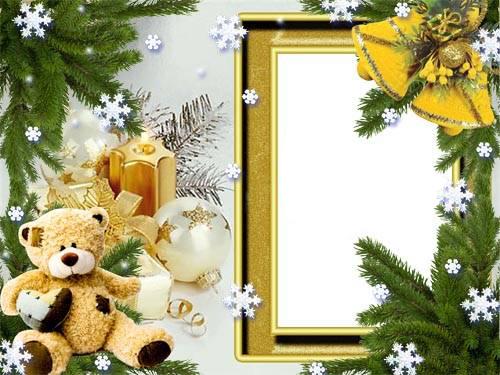 Новогодние рамки. Красивая новогодняя рамка для детских фотографий, которая обязательно понравится всем любителям мишек Тедди. Один такой медвежонок украшает эту новогоднюю рамку. Новогодняя рамка на светлом фоне подойдёт как для девочек, так и для мальчиков, поскольку здесь нет ничего лишнего. Если Вам нужна спокойная, но красивая новогодняя рамка – скачивайте её с нашего сайта.