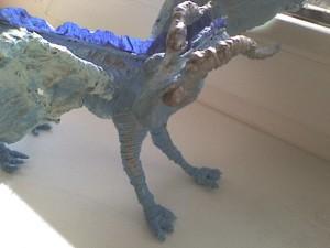 Дракон из проволоки и крученых салфеток-1