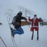 катайтесь на лыжах вместе с Дедом Морозом