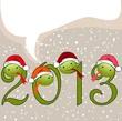 Надпись 2013, зелёные цифры с головами змей в новогодних колпаках. Серый фон с идущим снегом.