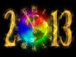 Золотыми цифрами на чёрном фоне написано 2013. Вместо цифры 0 разноцветные часы показывающие без пяти минут двенадцать!