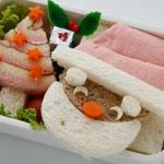Бутерброд с ветчиной и овощами в виде Санты и ёлочки