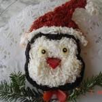 Салат пингвинёнок. Для оформления используем свеклу, яичный белок, маслины