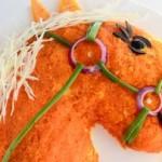 Украшение салатов к году Лошади 2014 (7)