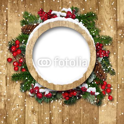 Баннер в стиле кантри. Гирлянды их хвои и ёлочных шаров, новогодняя символика на фоне серых и коричневых струганых досок (13)