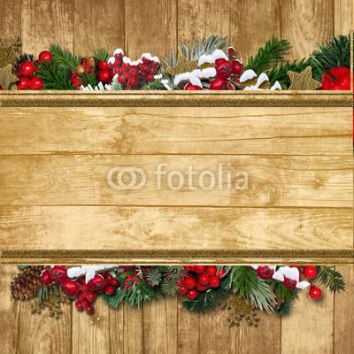 Баннер в стиле кантри. Гирлянды их хвои и ёлочных шаров, новогодняя символика на фоне серых и коричневых струганых досок (14)