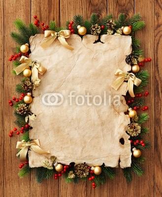 Баннер в стиле кантри. Гирлянды их хвои и ёлочных шаров, новогодняя символика на фоне серых и коричневых струганых досок (3)