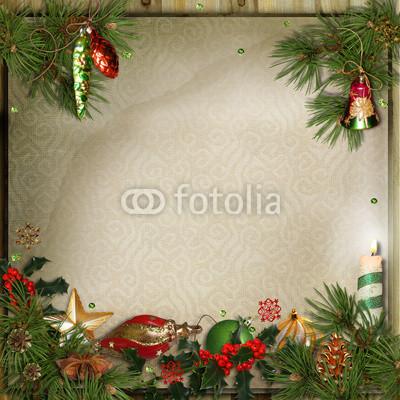Баннер украшенный ёлочными игрушками и гирляндой из хвои (2)