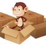 Милая обезьянка в коробке