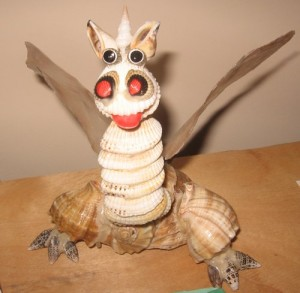 Дракончик из ракушек