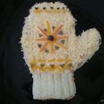 А можно сделать рукавичку украшенную часами из салата
