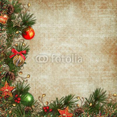 Баннер украшенный ёлочными игрушками и гирляндой из хвои (6)