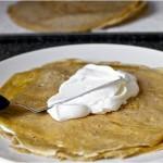 Блинный торт из бананов с йогуртом и глазурью из грецкого ореха - 6